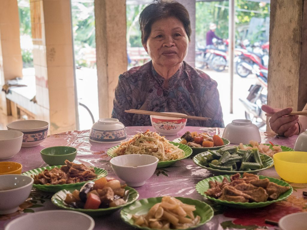 A free vegetarian meal is available at the pagoda